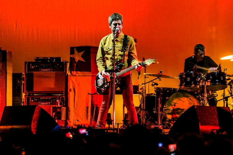 Noel Gallagher encabezó Colors Night Lights 2018